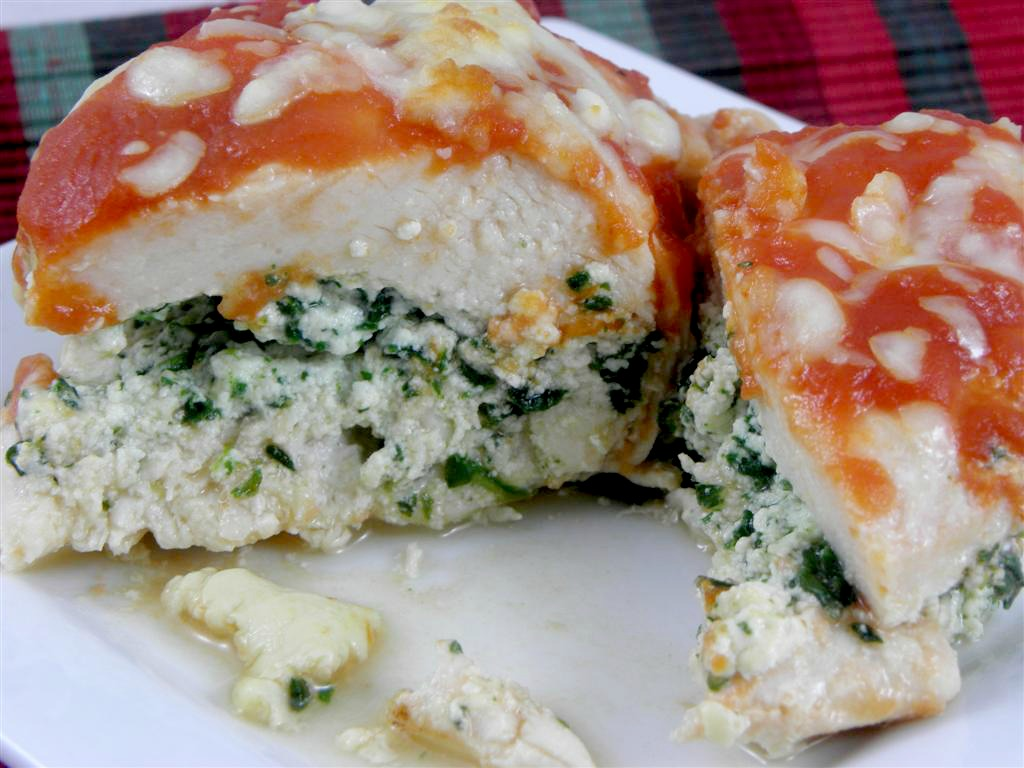 Healthy chicken breast stuffed with ricotta and spinach, topped with ...
