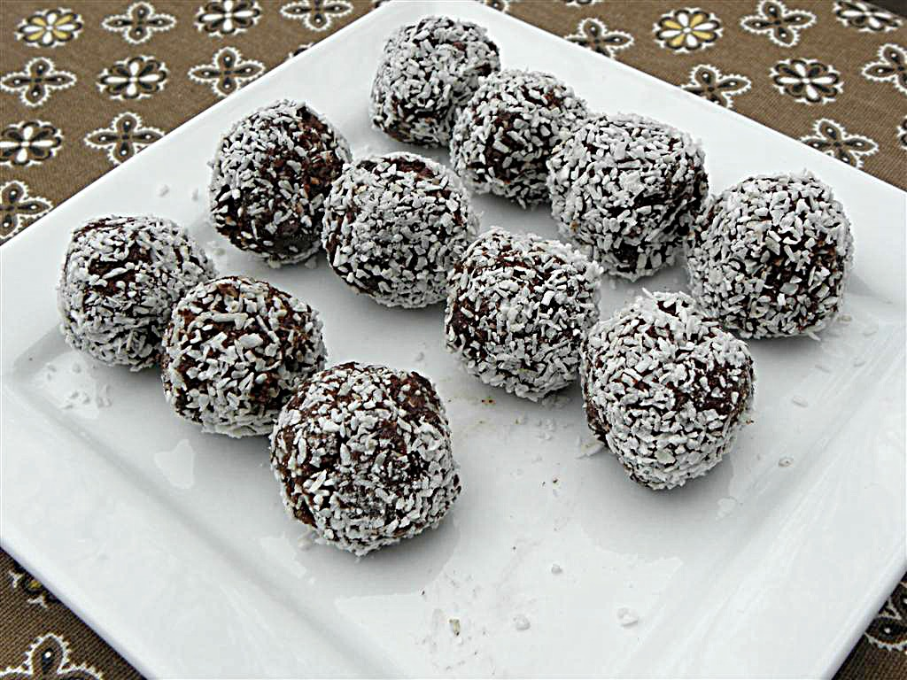 No Bake Chocolate Coconut Balls: Flour, Sugar, Egg, Dairy, Nut & Gluten Free