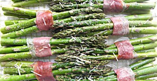 Roasted Asparagus Wrapped with Prosciutto