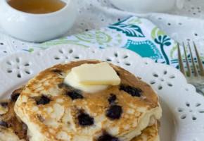 wild blueberry pancakes2 (1 of 1)