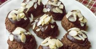 Flourless Sugar-Free Chocolate Almond Fudge Cookies