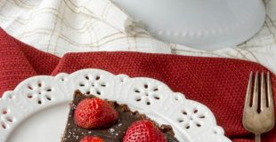 Sugar-Free Salted Chocolate Strawberry Tart