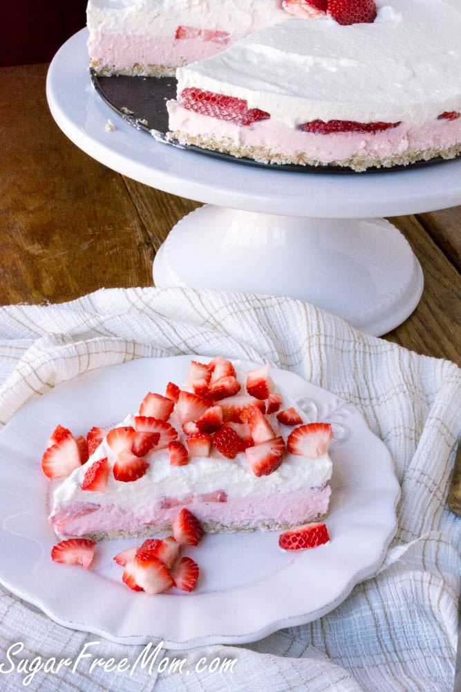 strawberry mousse pie1 (1 of 1)