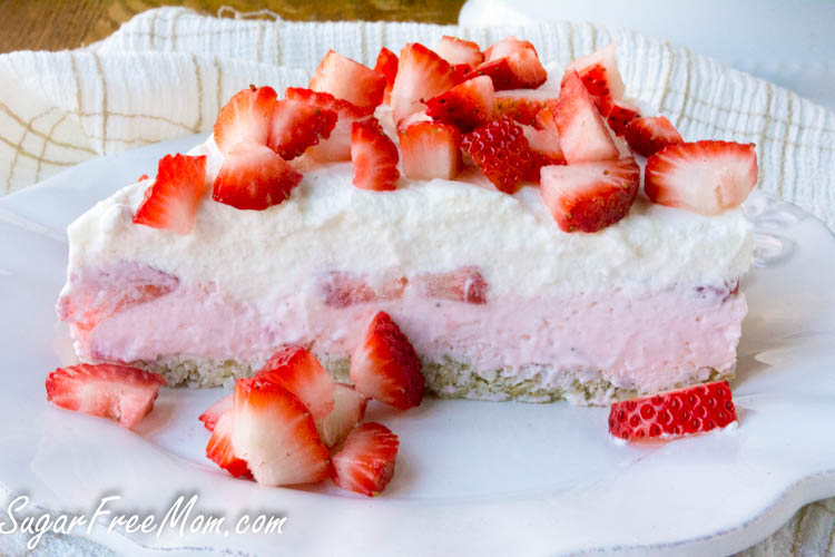 strawberry mousse pie3 (1 of 1)
