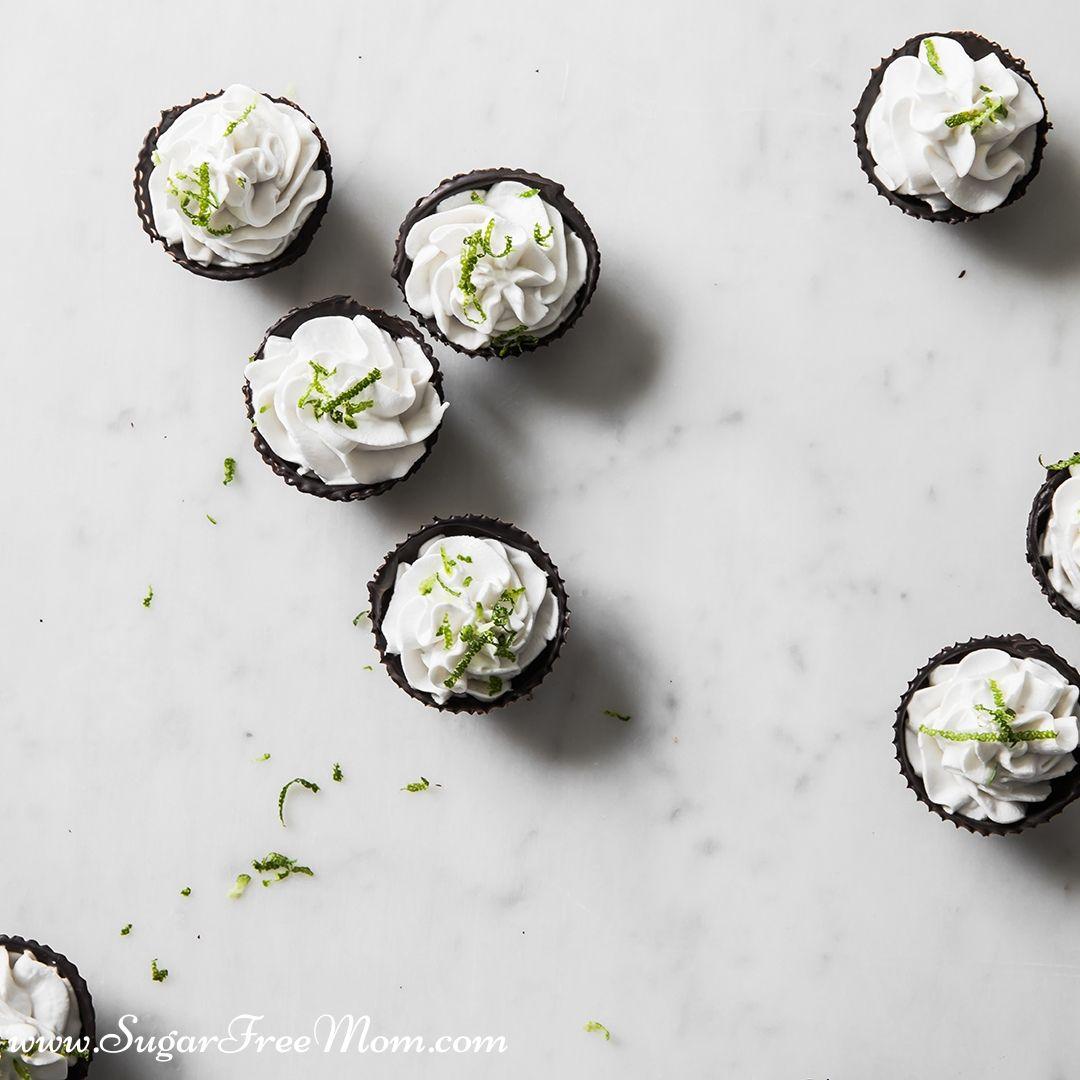 Copos de chocolate com iogurte de coco sem limão e ceto-limão (sem laticínios) 21